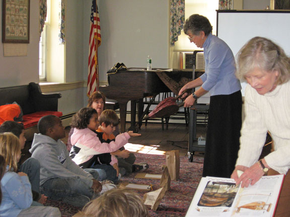 Students learn about history at the Stroud Mansion