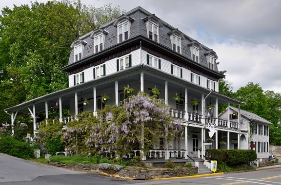2010 | Deer Head Inn, Delaware Water Gap (1853)
