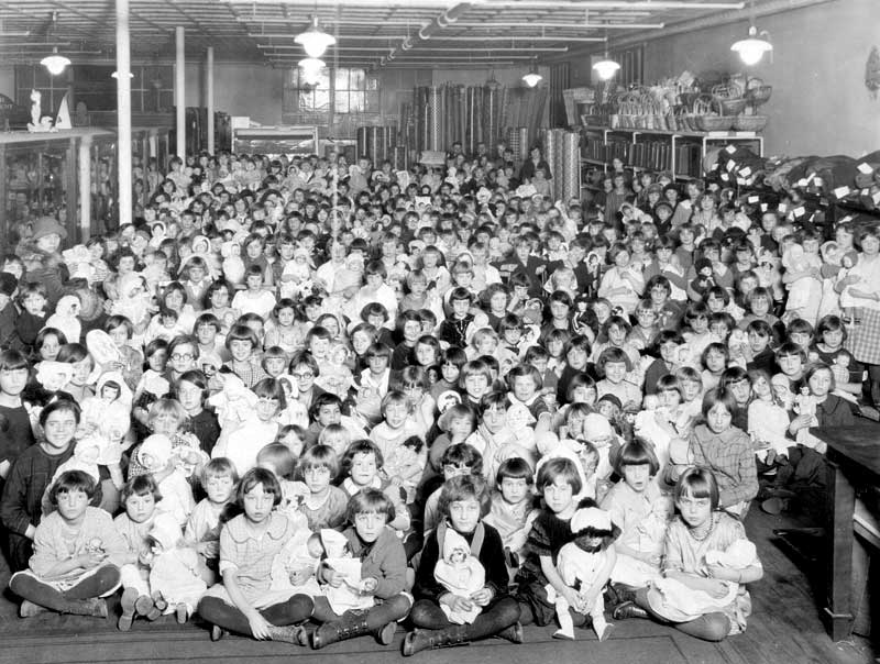 Large doll party, January 14, 1926.