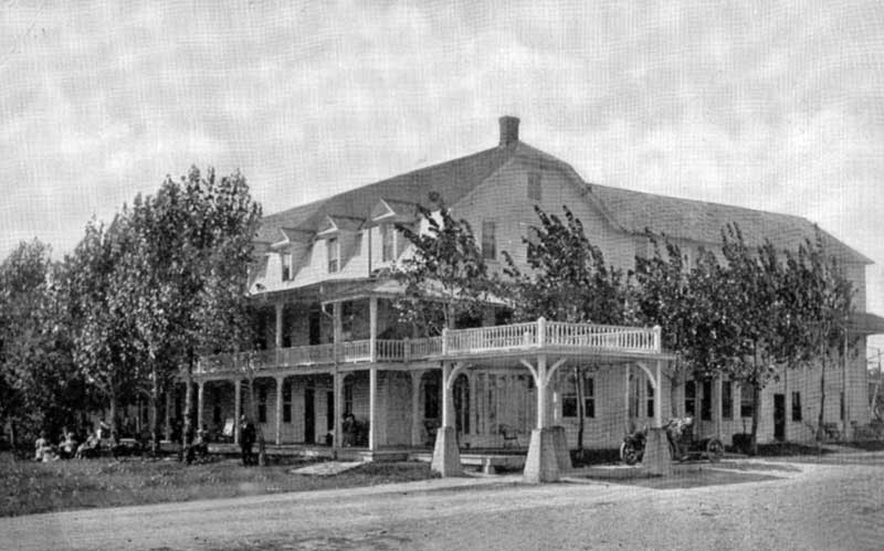 Laurel Inn, Pocono Lake, circa 1915.