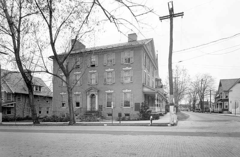Stroud Mansion in the 1920s, when the Civic Club of Stroudsburg saved it from destruction. In 1994, the Women's Club of the Stroudsburgs transferred ownership to the Monroe County Historical Association.