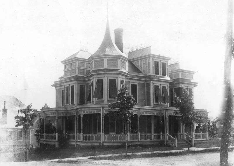 The home at 601 Thomas St., Stroudsburg, before 1925.