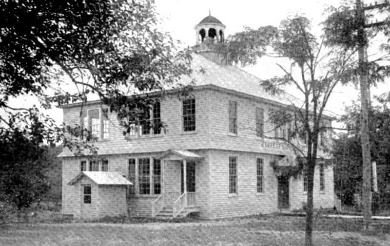 Barrett High School in Canadensis, circa 1912.