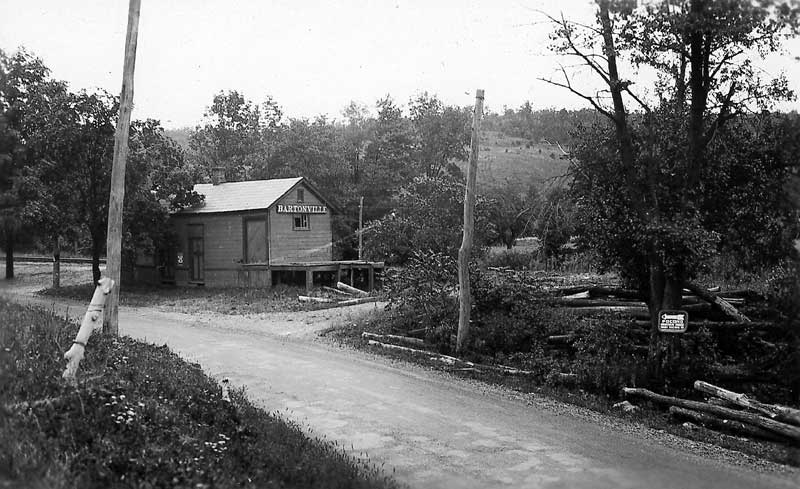 Bartonsville Station before the railroad grade crossing.
